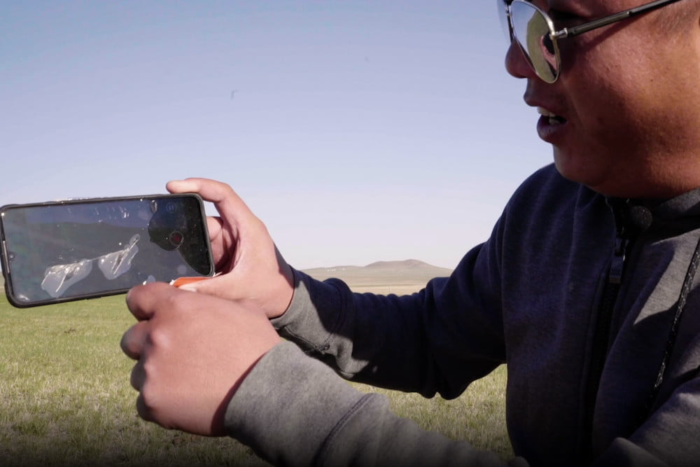 Smartphone Survives the Ultimate Drop Test From 103,000 Feet