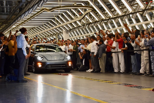 volkswagen beetle production officially ends last vw