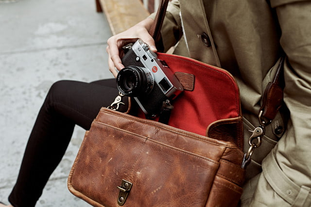 leica ona partner for bag collection lifestyle3