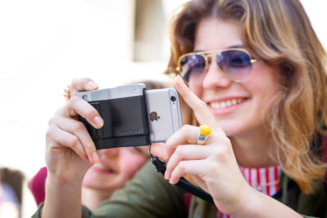 pictar iphone case provides dslr like shooting experience miggo 11