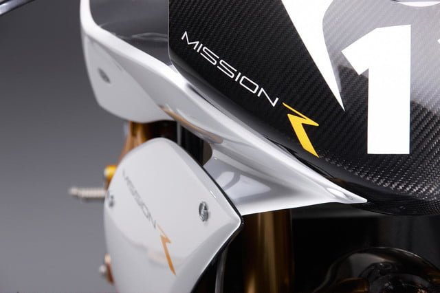 missions hot new 160hp electric motorcycles one gear plus reverse 150mph and no shifting mission moto rs logo close up