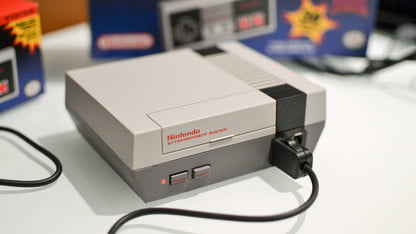 Hackers Tweak NES Classic Edition to Play Games From Other