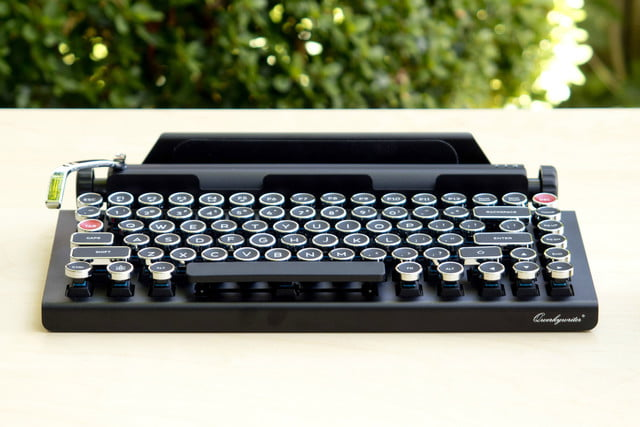 meet the keyboard that turns your tablet into a typewriter kinda qwerkywriter