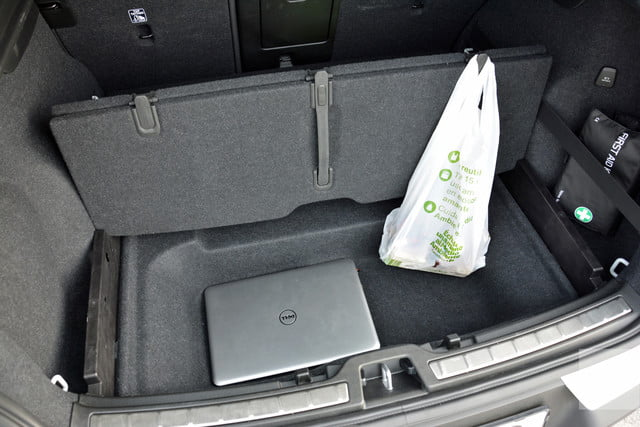 Volvo XC40 laptop