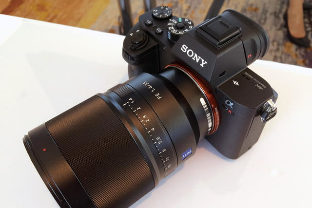 Sony Packs 42 4MP Full-Frame Sensor in New A7R Mark II