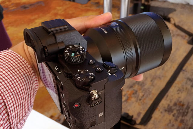 canon 5ds r vs sony a7r ii mark  other side