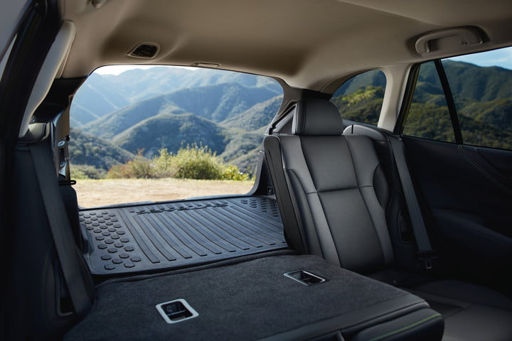 Water-repellent fabric lets Subaru seats keep up with the people sitting on them