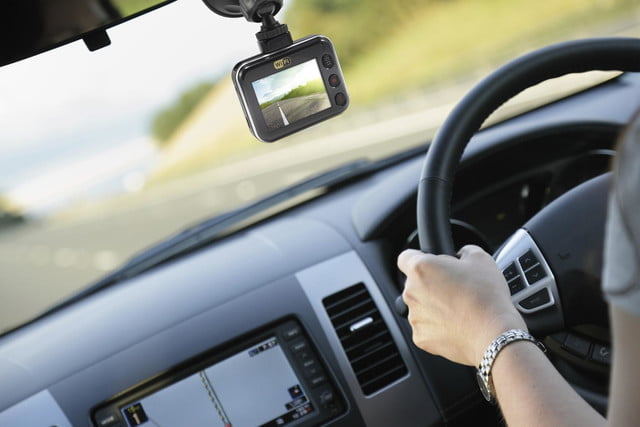 swann driveeye ultra dash cam auto locks up to protect footage in case of crash 5