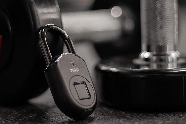 protect your stuff with a keyless fingerprint access tapplock lite padlock 02  1