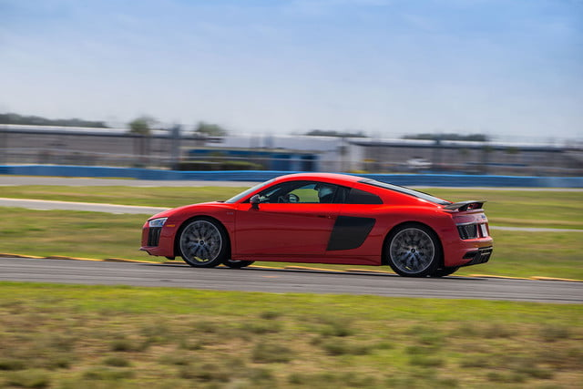 audi r8 v10 plus en daytona road trip 03