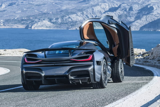 rimac concept two 1900 caballos c static rear 03 1 720x480