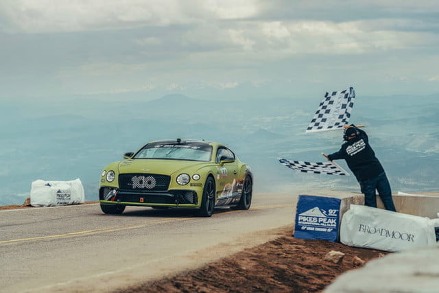 bentley continental gt pikes peak breaks record at 1 700x467 c