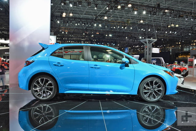 lo mejor auto show ny 2018 dt new york 2019 toyota corolla hatch 3 720x480 c