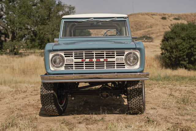 ford bronco old school br icon classic 18 v1 current 700x467 c
