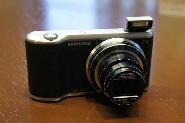 samsung announces nx30 mirrorless camera and android powered galaxy 2 dsc08186