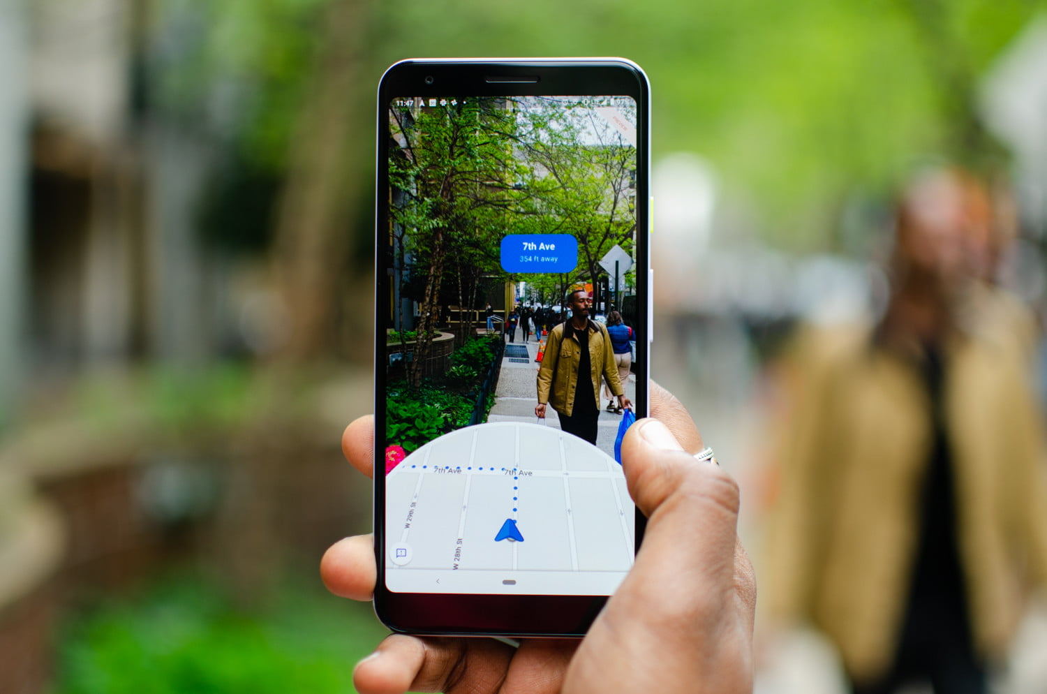 How To Navigate With The AR Mode In Google Maps | Digital Trends
