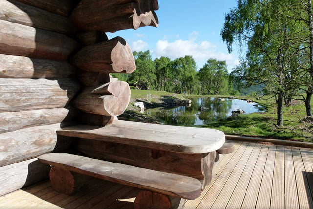 retreat from society and relax in these idyllic cabins around the world eagle brae highland log 1