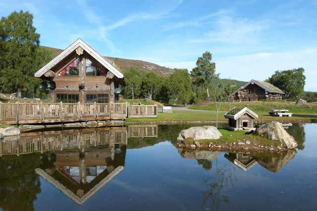 retreat from society and relax in these idyllic cabins around the world eagle brae highland log 4