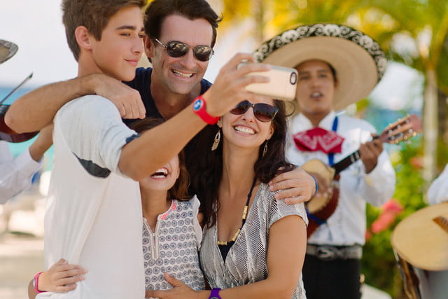 carnival ocean medallion how it works family selfie during port excursion