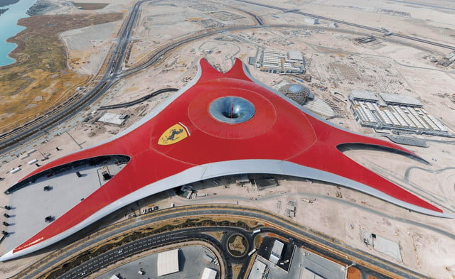 Ferrari-world_construction1
