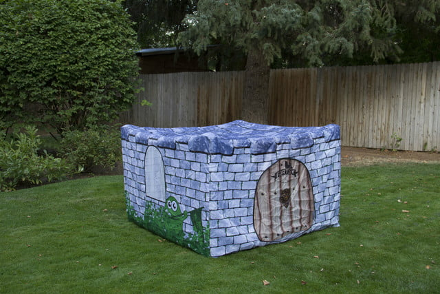 fortsy is an inflatable play fort on kickstarter castle
