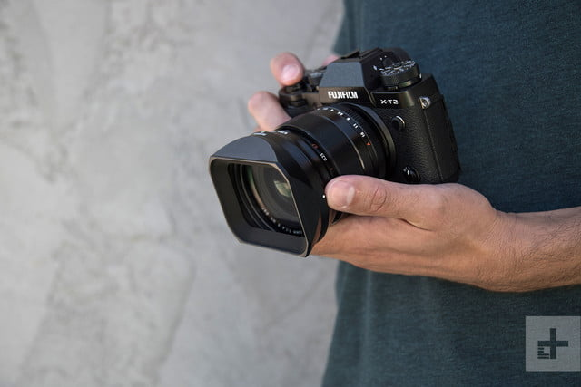 Fujifilm XF 16mm F14 R WR review in hand
