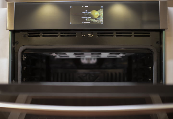 GE Appliances shows off wall oven with built-in air fryer, food dehydrator
