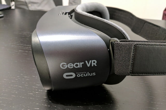 Samsung and Oculus Announce Gear VR Controller | Digital Trends