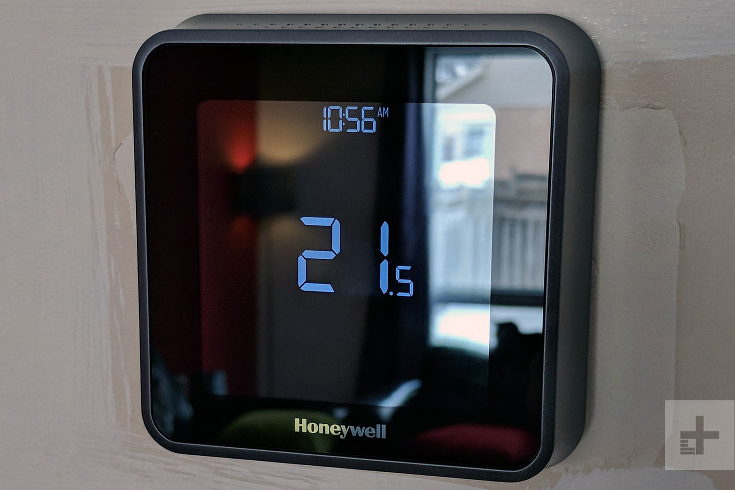 Honeywells Servers Went Down And Left Users Without Control Best Honeywell Thermostat Rth2410 Wiring Diagram Digital Trends