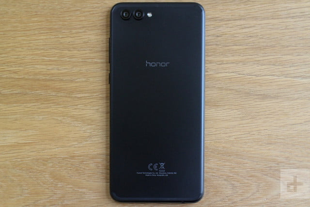 Honor View 10 review back full