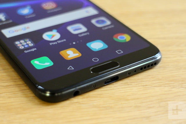 Honor View 10 review bottom angle