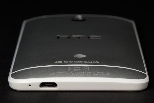 htc one mini bottom port