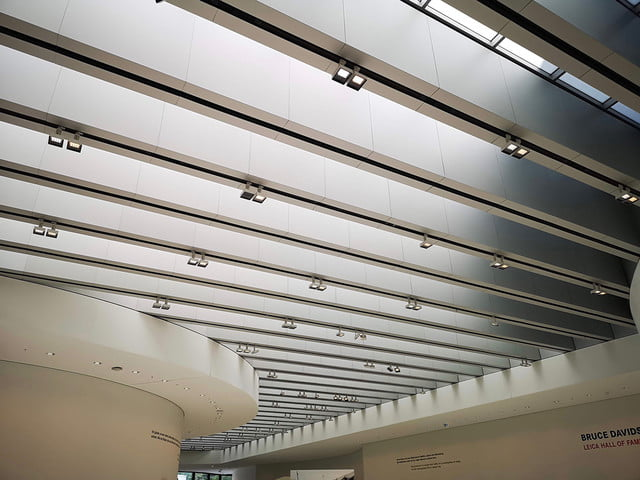 huawei p20 pro leica street photography feature ceiling