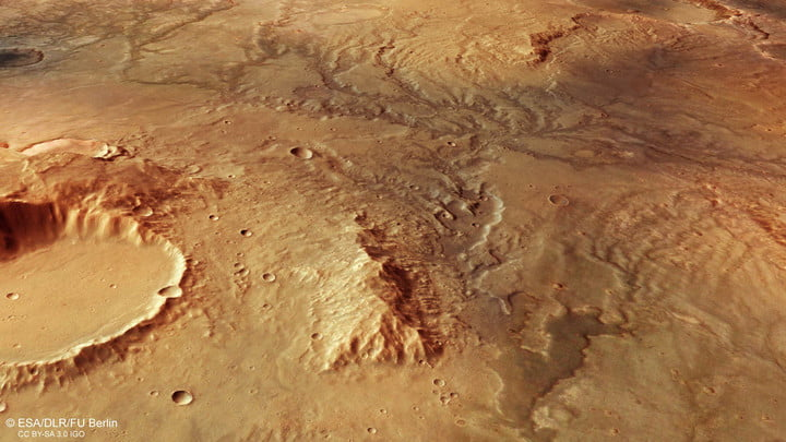 Did there used to be liquid water on Mars? New images give clues