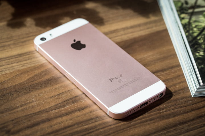 Apple brings back the iPhone SE with a $150 clearance discount included