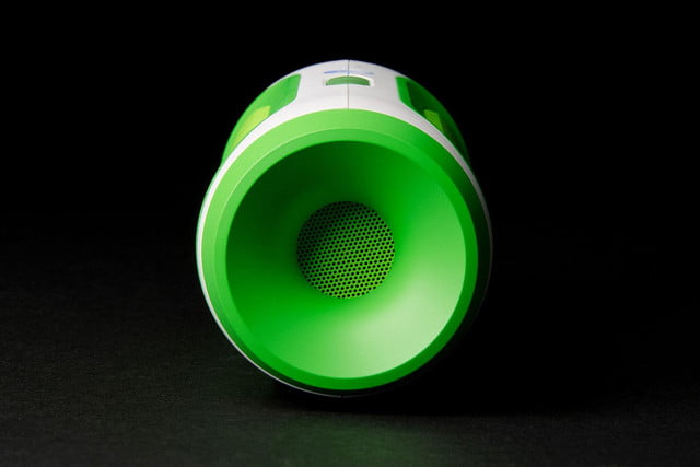 jbl charge right side