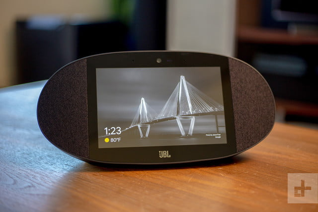 JBL Link View review screen