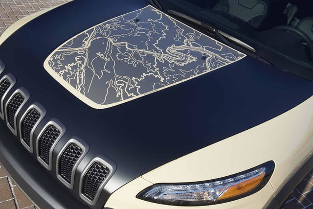 """Jeep Cherokee Canyon Trail """"Hell's Revenge"""" topographical hood map"""
