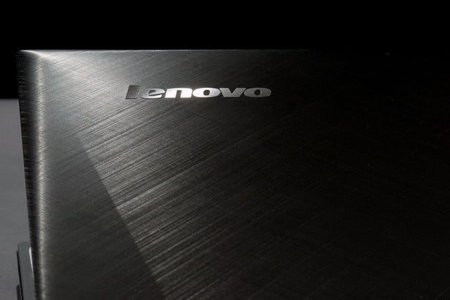 Lenovo IdeaPad Y510p top back badge