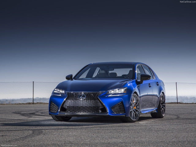 Lexus-GS_F_2016_front angle