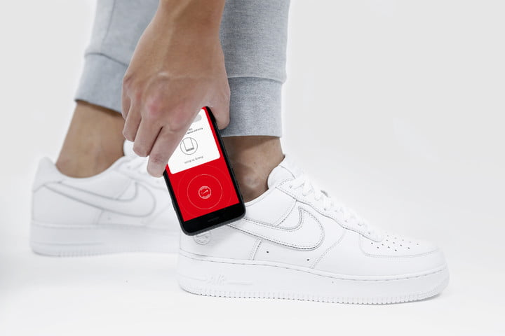 dce9a82fa Limited-Edition Nike Sneakers Are First To Test NikeConnect Tech ...