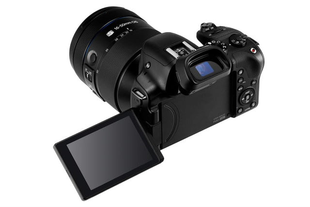 samsung announces nx30 and 16 50mm 5