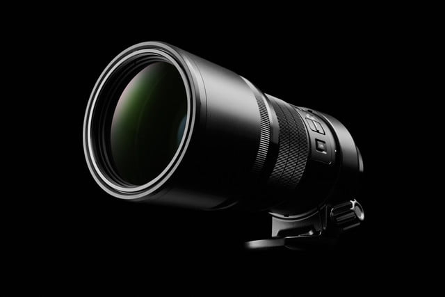 olympus 300mm lens puts extra stabilization into handheld photography ces2016 2