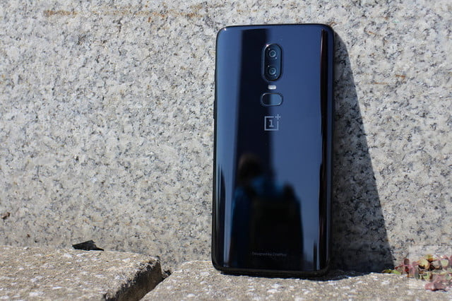 oneplus 6 hands on against wall
