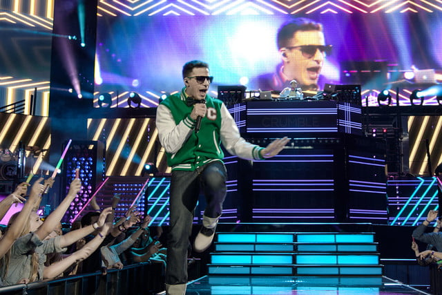 popstar never stop stopping review 004
