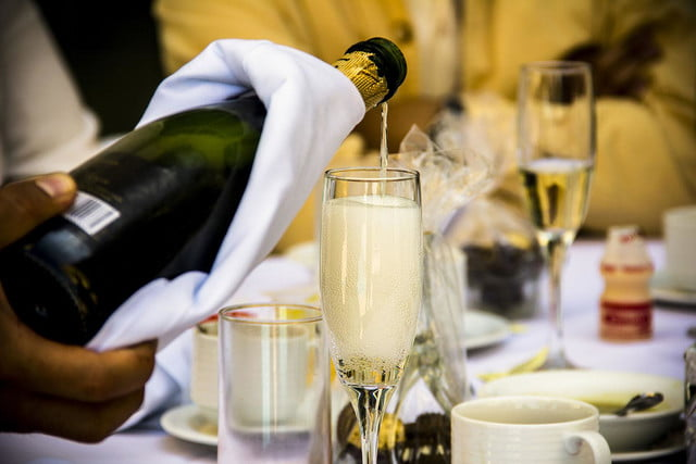 Pro tips on how to serve & enjoy Champagne