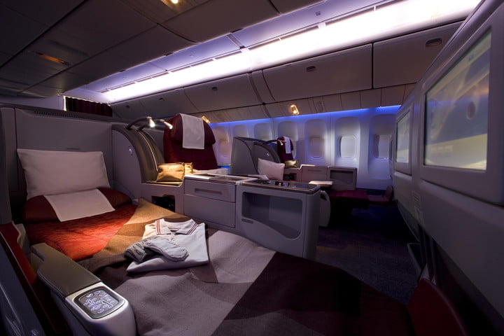 Qatar Airways Boeing 777-200LR Business Class
