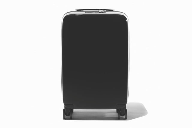 raden smart luggage a22 carry hero black gloss 1