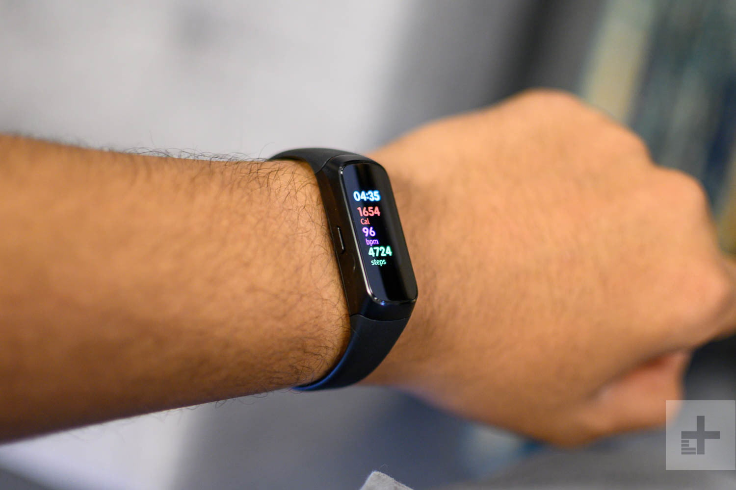 Samsung Galaxy Fit Hands on Review: A $99 Fitness Tracker