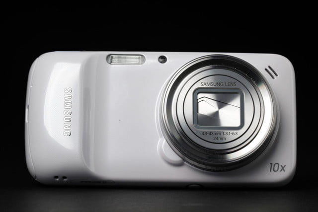 Samsung-Galaxy-S4-Zoom-camera-closed-2